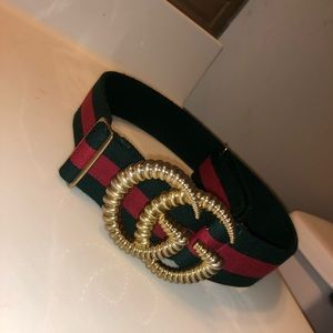 Selling  Women's authentic Gucci Belt